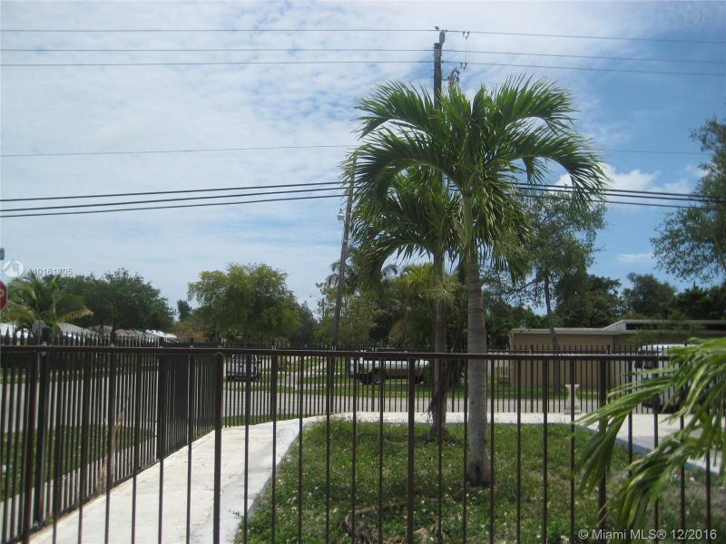 790 128th St  Unit 306, North Miami, FL 33161