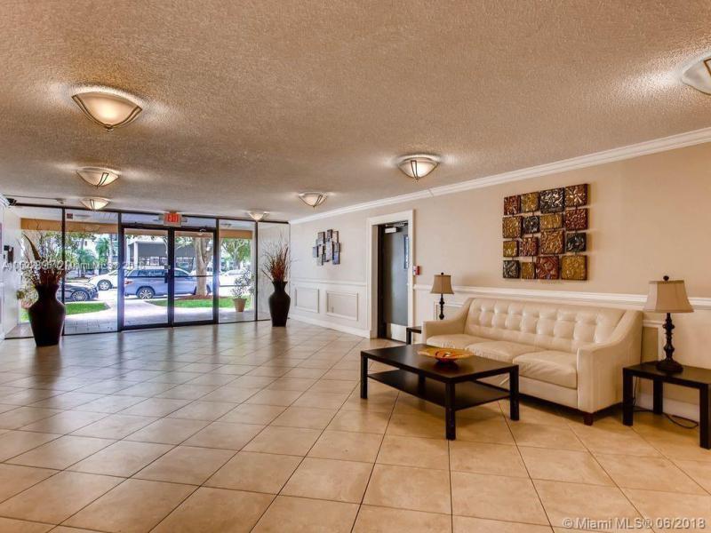19390 Collins Ave, Sunny Isles Beach FL 33160-2263