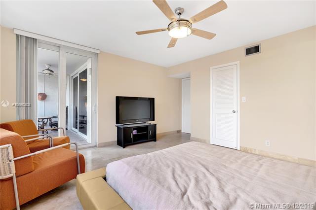 112 N Birch Rd 202, Fort Lauderdale, FL, 33304