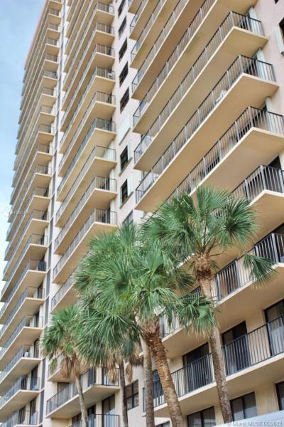 210 174th St 718, Sunny Isles Beach, FL, 33160