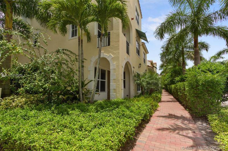 12429 NW 17th Mnr, Pembroke Pines, FL, 33028
