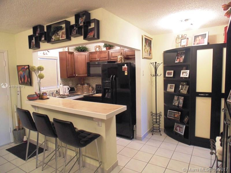 North Miami Beach Residential Rent A10180572