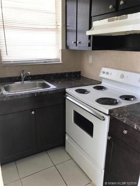 1725  Hayes St , Hollywood, FL 33020-3635