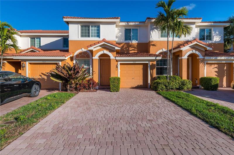 7399 Briella Drive, Boynton Beach FL 33437-