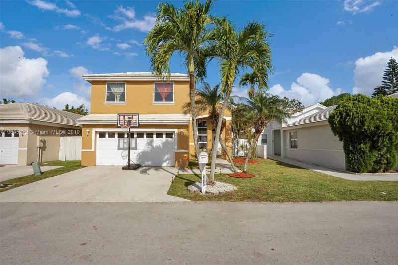 6303 Island Way, Margate FL 33063-7065
