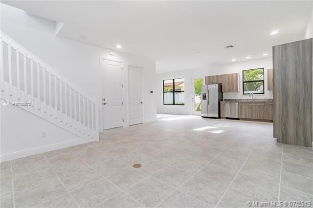 118 NW 209 Way 118, Pembroke Pines, FL, 33029