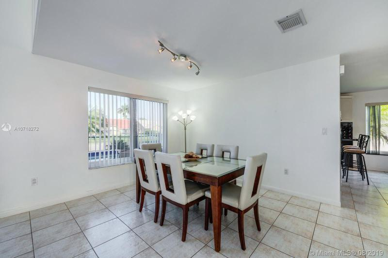 815 NW 165th Ave, Pembroke Pines, FL, 33028