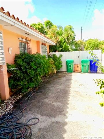 150 Nw 60th Ave Para La Venta In Miami Florida Real Estate
