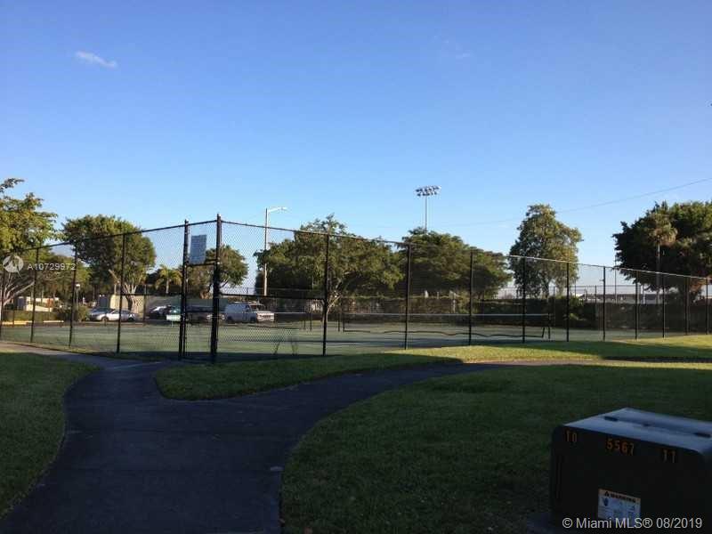 207 LAKE POINTE DR 103, Oakland Park, FL, 33309