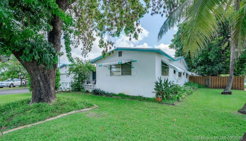 421 SW 70th Ter, Pembroke Pines, FL, 33023