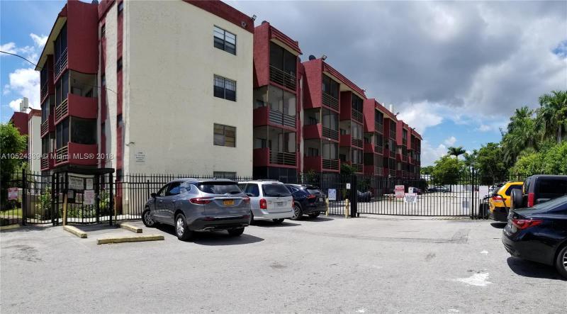 13500 NE 3 ct  Unit 222, North Miami, FL 33161-
