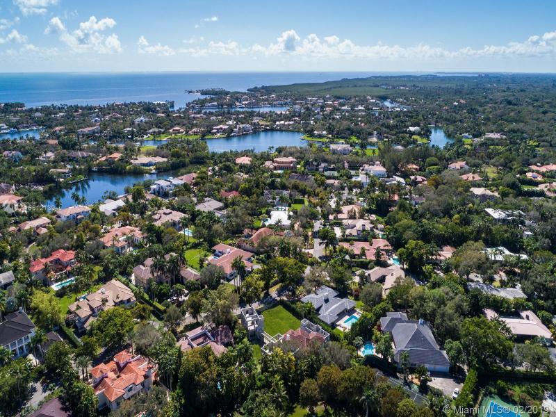 8020 Los Pinos Blvd, Coral Gables, FL, 33143
