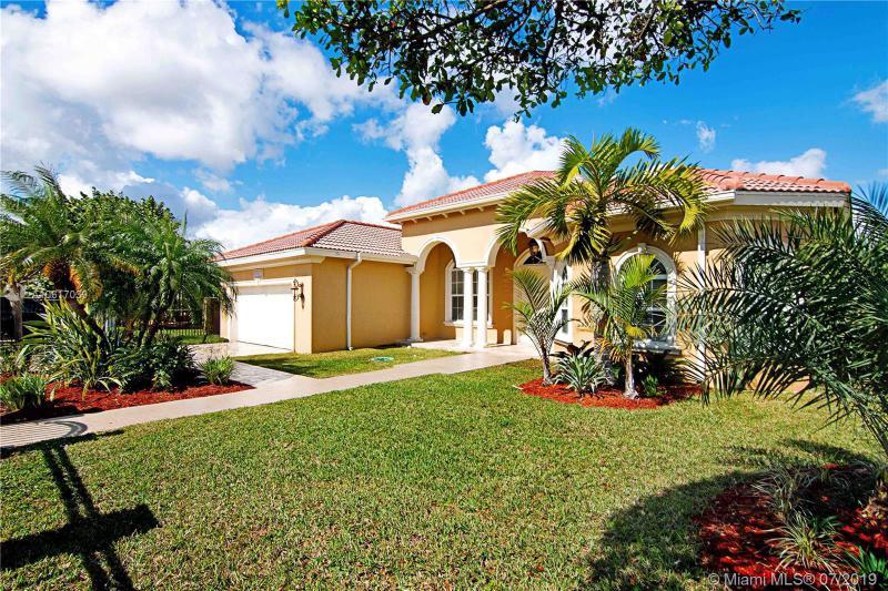 9931 SW 40th Ter,  Miami, FL