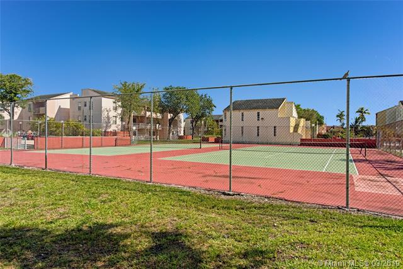 1735 W 60th St  Unit 0 Hialeah, FL 33012-6852 MLS#A10646239 Image 19