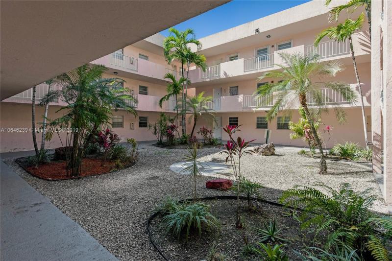 1735 W 60th St  Unit 0 Hialeah, FL 33012-6852 MLS#A10646239 Image 4