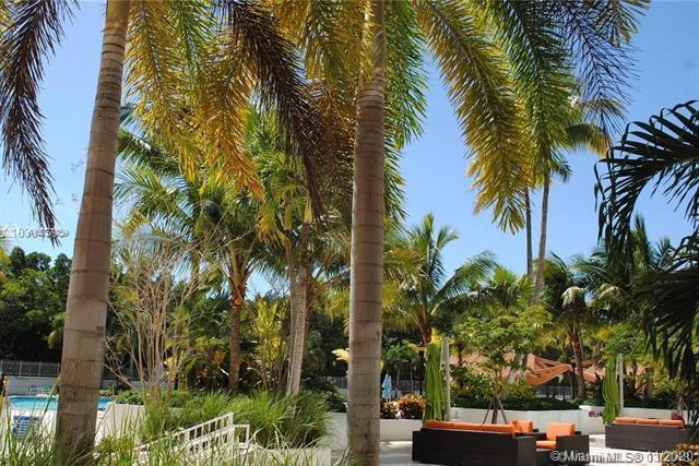 100 Bayview Dr 830, Sunny Isles Beach, FL, 33160