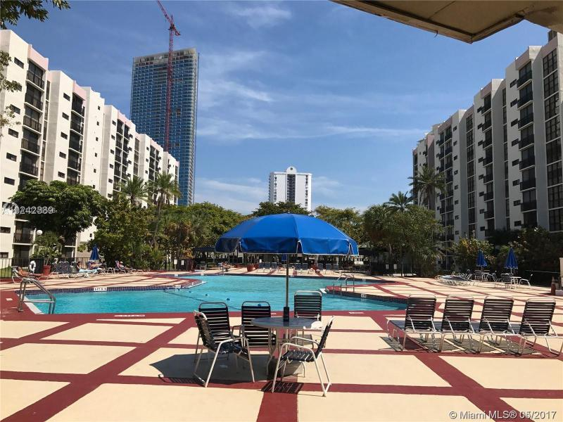 Real Estate For Rent 16909 N Bay Rd #420 Sunny Isles Beach  FL 33160 - Plaza Of Americas Condo P