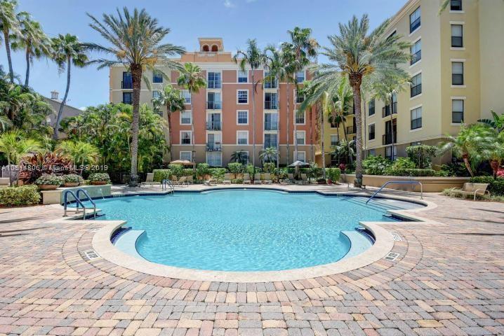 720 Sapodilla Avenue, West Palm Beach FL 33401-