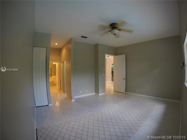 8341 Hampton Wood Dr, Boca Raton, FL, 33433