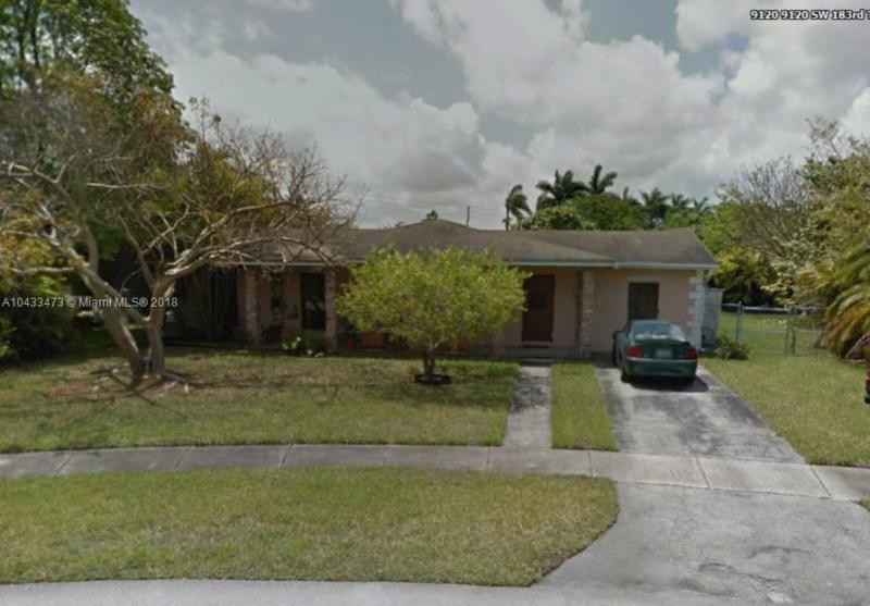9370 SW 183rd Ter , Palmetto Bay, FL 33157-5772