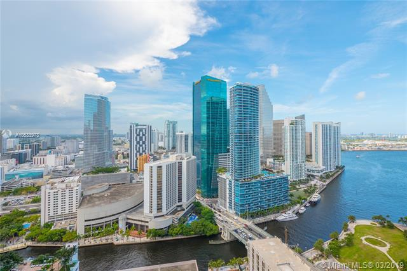55 SE 6th St,  Miami, FL