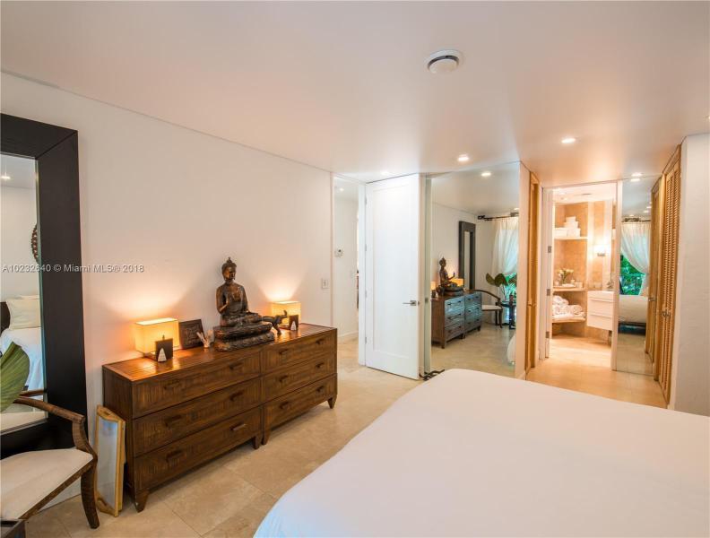 For Sale at  1075 NE 99Th St Miami Shores  FL 33138 - Miami Shores Sec 08 Rev - 3 bedroom 2 bath A10232640_15