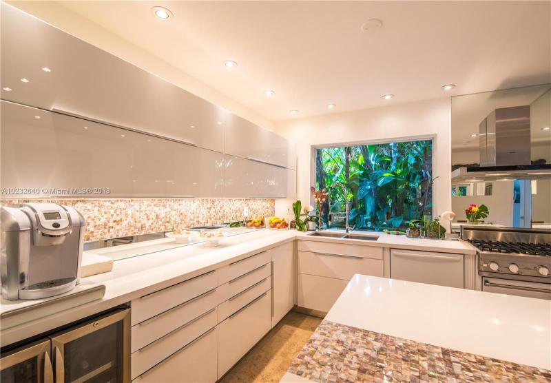 For Sale at  1075 NE 99Th St Miami Shores  FL 33138 - Miami Shores Sec 08 Rev - 3 bedroom 2 bath A10232640_7