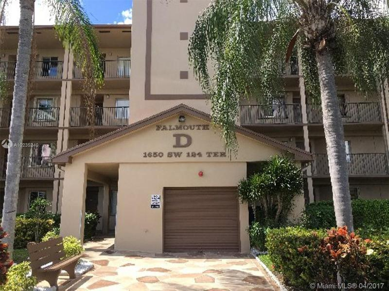 8713 5th St  Unit 204, Pembroke Pines, FL 33025