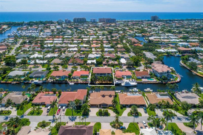 VENETIAN ISLES LIGHTHOUSE POINT FLORIDA