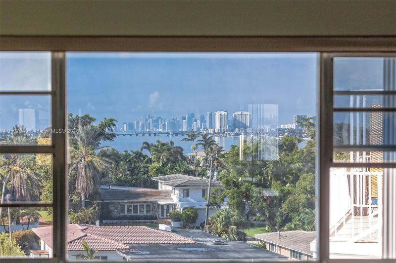 9020 NE 8th Ave  Unit 1, Miami Shores, FL 33138-3253