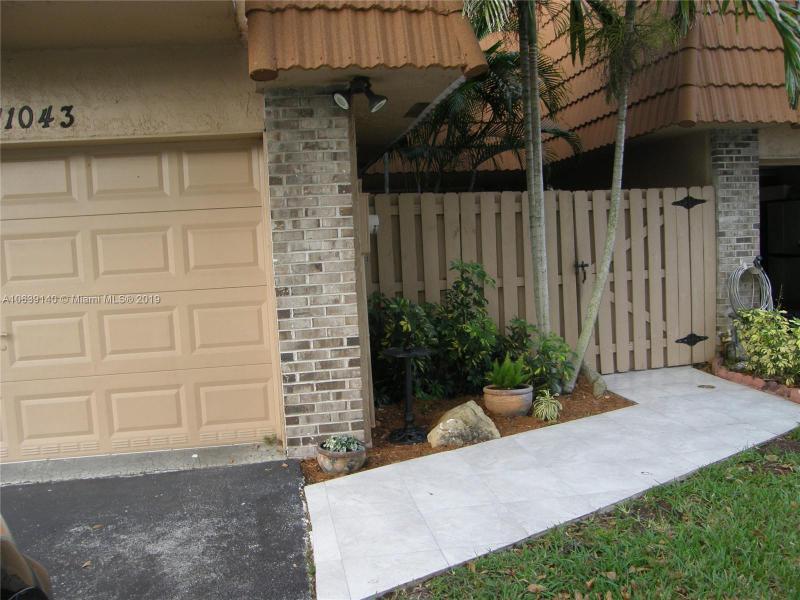 1501 SW 110th Way , Davie, FL 33324-7194