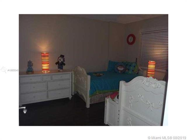 8000 Hampton Blvd 414, North Lauderdale, FL, 33068