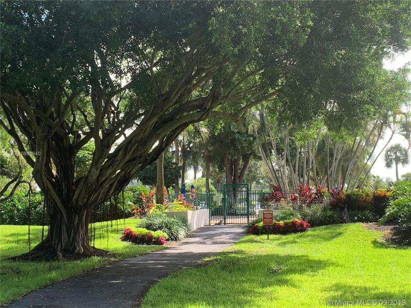 545 Oaks Ln 209, Pompano Beach, FL, 33069