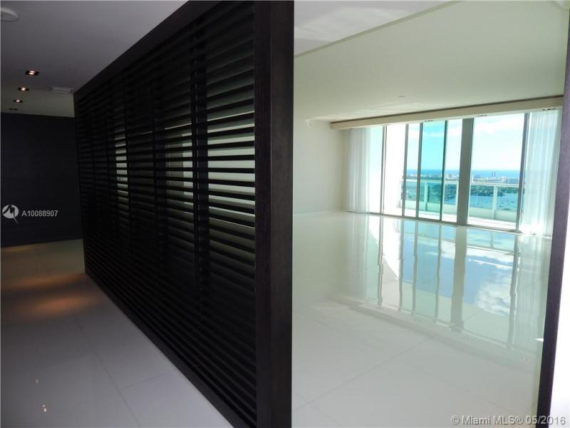 Miami Condo/Villa/Co-op/Town Home A10088907