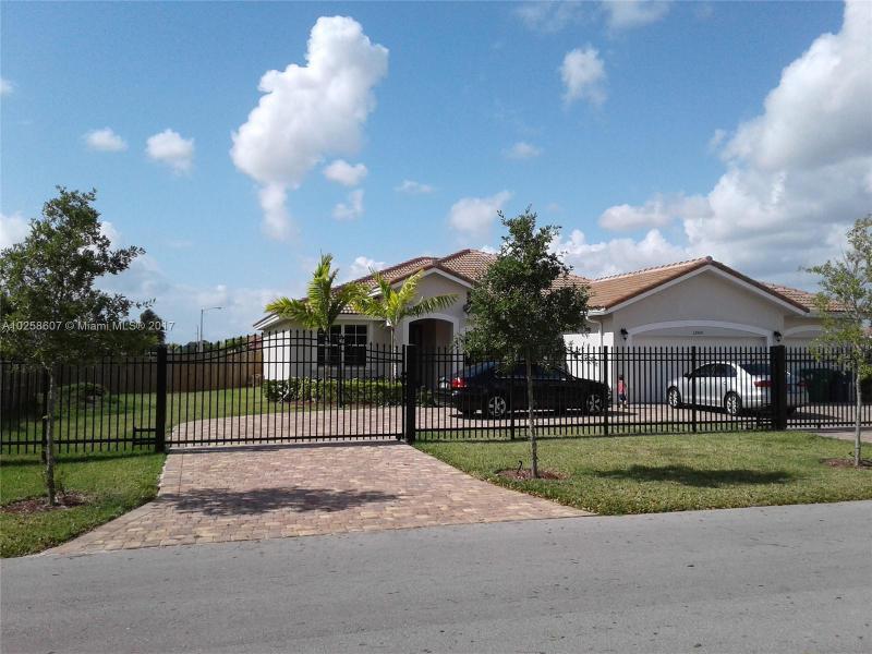 Estate Mansions 1st Add