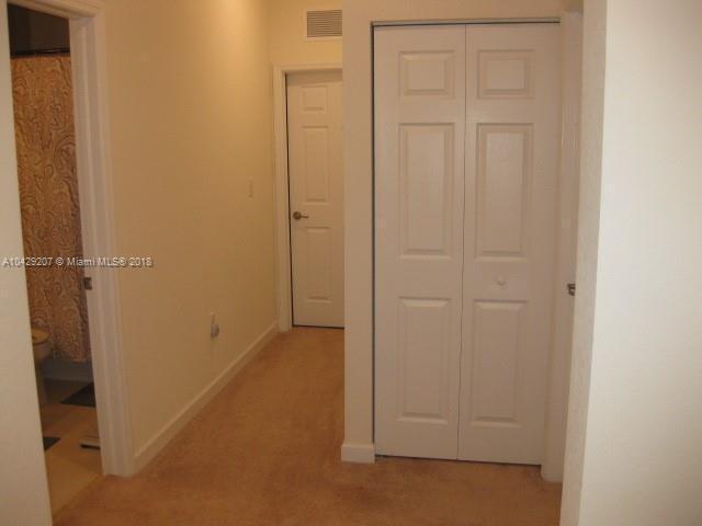 Imagen 14 de Residential Rental Florida>Hialeah>Miami-Dade   - Rent:2.350 US Dollar - codigo: A10429207