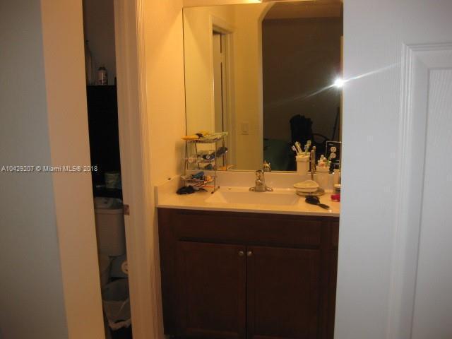 Imagen 16 de Residential Rental Florida>Hialeah>Miami-Dade   - Rent:2.350 US Dollar - codigo: A10429207