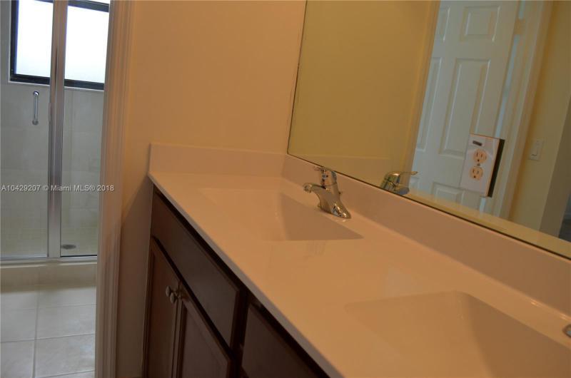 Imagen 4 de Residential Rental Florida>Hialeah>Miami-Dade   - Rent:2.350 US Dollar - codigo: A10429207