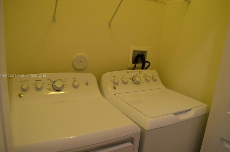 Imagen 5 de Residential Rental Florida>Hialeah>Miami-Dade   - Rent:2.350 US Dollar - codigo: A10429207