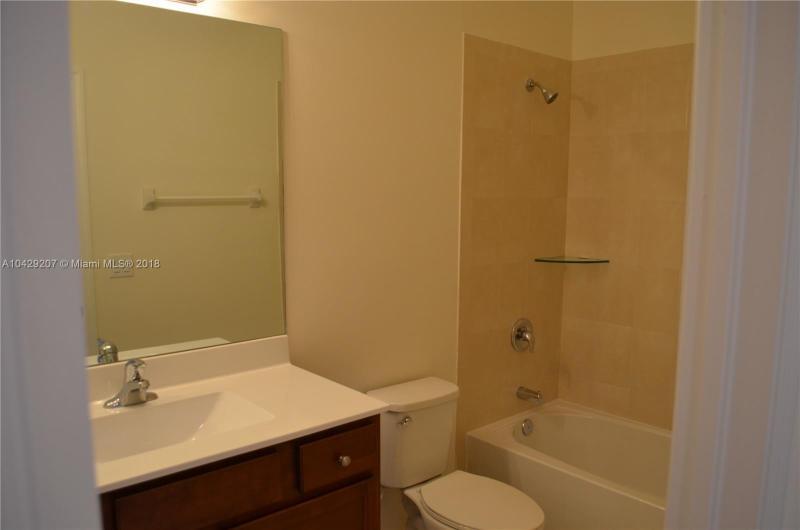 Imagen 6 de Residential Rental Florida>Hialeah>Miami-Dade   - Rent:2.350 US Dollar - codigo: A10429207