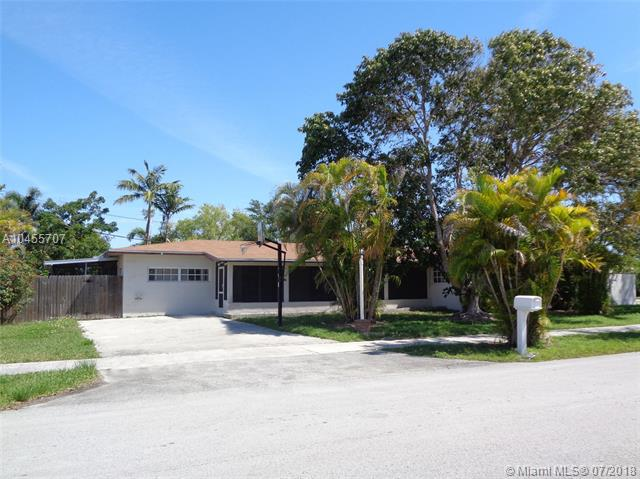 8980 SW 156th St , Palmetto Bay, FL 33157-1932
