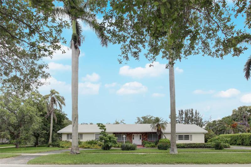 11720 SW 81st Rd , Pinecrest, FL 33156-4418