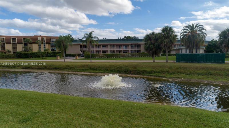 2727  Anzio Ct  Unit 108, Palm Beach Gardens, FL 33410-2977