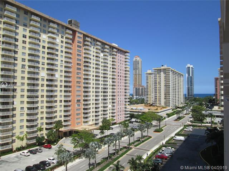251  174th St  Unit 807, Sunny Isles Beach, FL 33160-3365