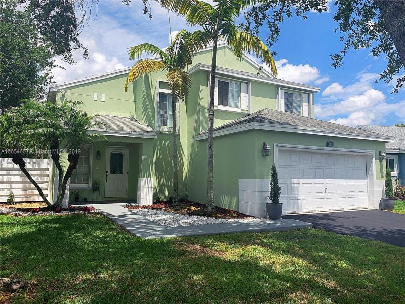 14663 SW 142nd Place Cir , Miami, FL 33186-5696