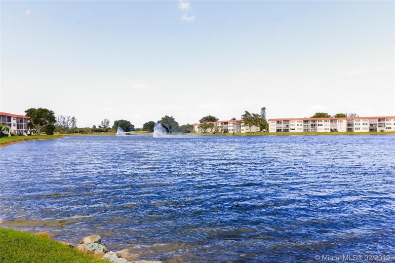 9520 S Hollybrook Lake Dr 307, Pembroke Pines, FL, 33025