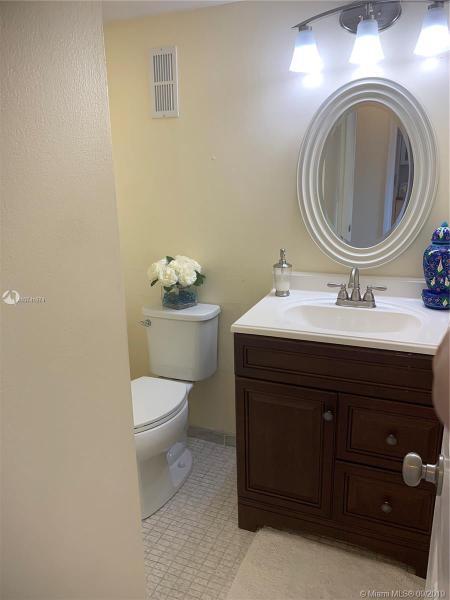 8900 Washington Blvd 514, Pembroke Pines, FL, 33025