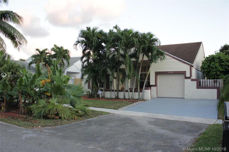 1579 SW 85th Ave, Pembroke Pines, FL, 33025