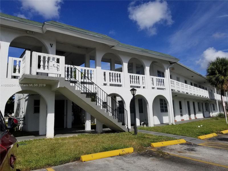 251 NW 177th St , Miami Gardens, FL 33169-4904