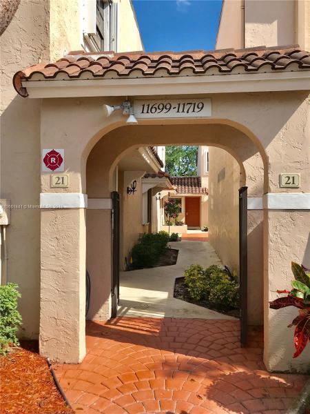 11669 NW 11th St  Unit 11669, Pembroke Pines, FL 33026-3838